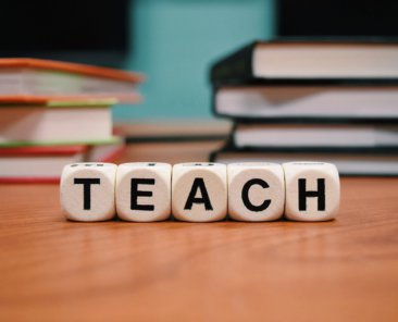 teach-1968076_1920